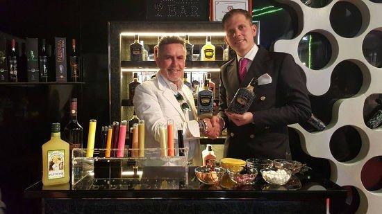 Alviero Martini alla Distilleria Petrone