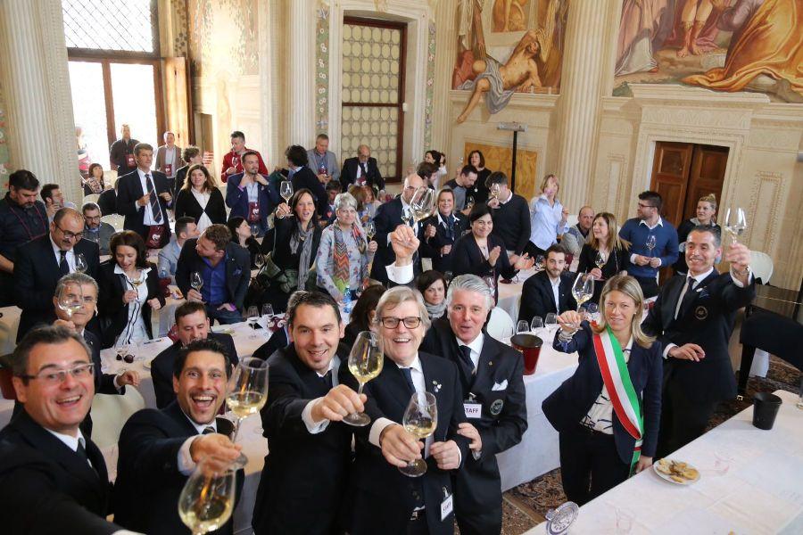 Brindisi 300x100 Wine Experience