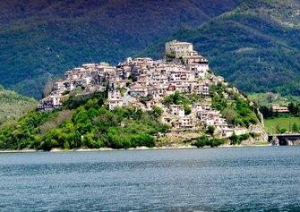 Castel di Tora (RI)